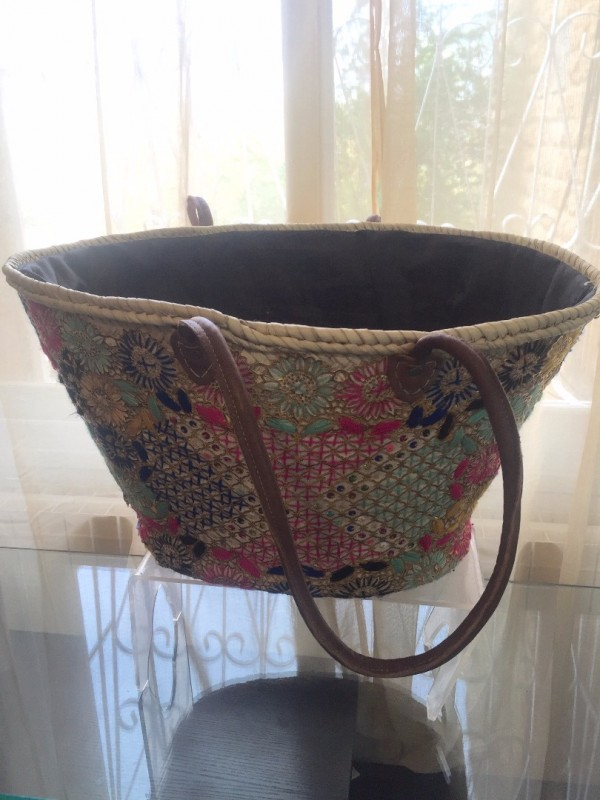 large basket/beach bags