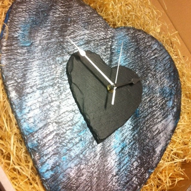 Ocean wave slate heart clock XL